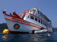 Морские прогулки на Ко Чанге на большой теплоходной лодке
